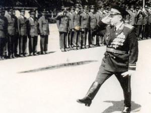 Генерал-лейтенант Васильев