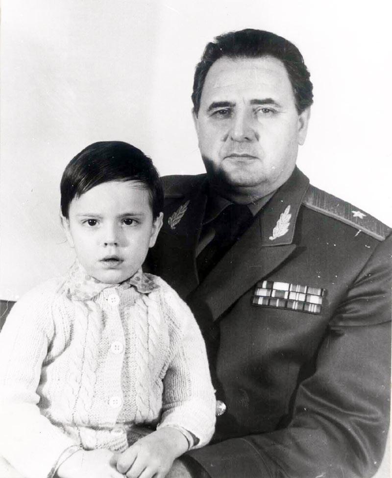 Владимир Фёдорович с внуком Костей