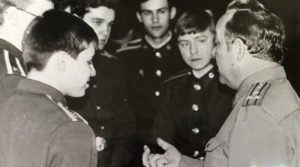 Беседа полковника с курсантами