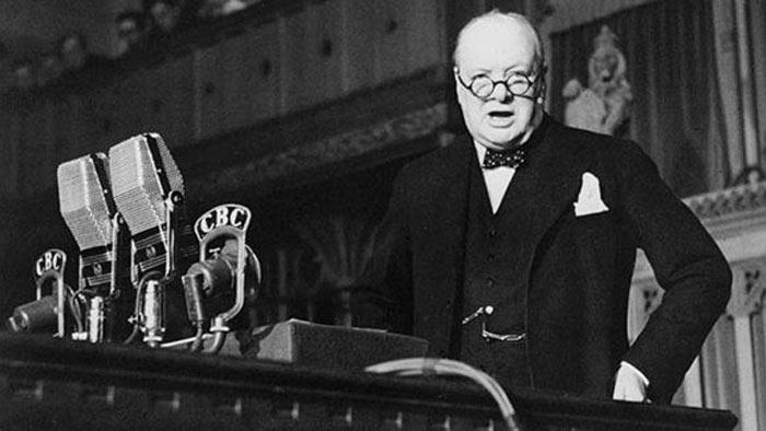 премьер-министр Великобритании Уинстон Черчилль