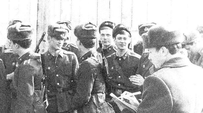 Курсанты военного училища